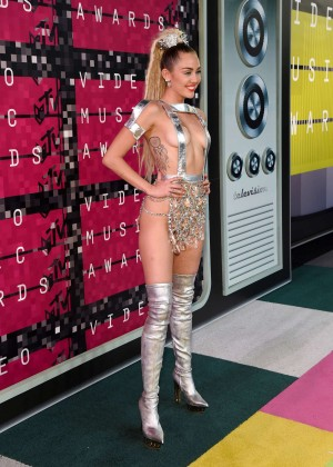 Miley Cyrus: 2015 MTV Video Music Awards in Los Angeles [adds]-31